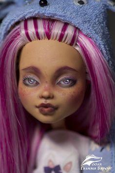 OOAK Puppe benutzerdefinierte zarte Puppe niedlich repaint | Etsy Kylie Minogue, Howleen Wolf, Freckles Girl, Cat Doll, Doll Head, Ooak Dolls, Custom Dolls, Pink Lips, Kittens Cutest