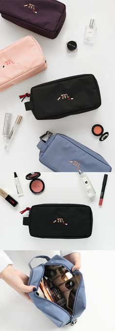 The Simple Makeup Organizer knows what you are asking for in a perfect makeup organizer. The spacious compartment and open pockets with different sizes that are simply perfect for storing various makeups from lipsticks to brushes!