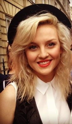 aww old but adorable picture of perrie! Who's your favorite girl in Little Mix? I couldn't possibly choose mine! They are all perfect :3