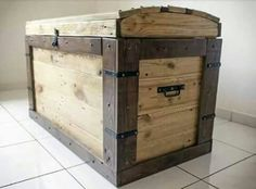 Rustic storage for clothing & crafts. Treasure chest! R1650