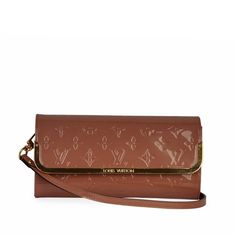 Simple yet gorgeous, this Louis Vuitton clutch is all you need to go about your day in style and luxury. Louis Vuitton Clutch, Rose, Dust Bag, Wallets, Exterior, Purses, Signs, Luxury, Simple