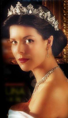 Princesse Caroline de Monaco in the Cartier Pearl Drop tiara