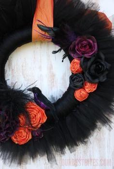 DIY Tutorial: DIY Halloween Decor DIY Halloween Crafts / DIY Halloween Wreath - Bead&Cord