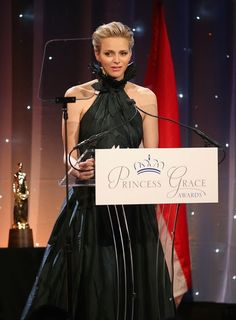 Princess Grace Awards, New York Wednesday evening, Princess Charlene attended the ceremony Princess Grace Awards, which took place in New York. These awards recognize artists of the medium of theater, dance and film.