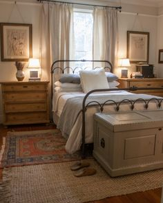 Modern farmhouse style incorporates the typical with the brand-new makes any space incredibly comfortable. Discover finest rustic farmhouse bedroom decor ideas and also design ideas. See the best designs! Cozy Bedroom, Home Decor Bedroom, Bedroom Bed, Cozy Master Bedroom Ideas, Bedroom Colors, Bedroom Night, Bedroom Curtains, Bedroom Storage, Dream Bedroom