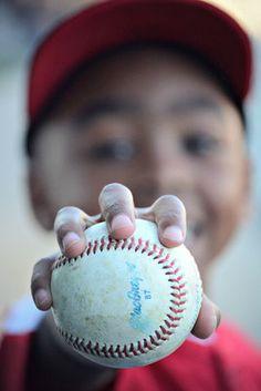 Little League Baseball Dallas Fort Worth Photographer - Boonoey Photography Baseball Snacks, Baseball Boys, Baseball Shirts, Baseball Field, Boston Baseball, Baseball Girlfriend, Baseball Players, Softball Photos, Baseball Pictures