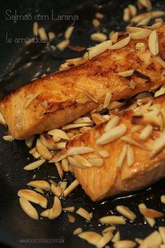 Salmão, amêndoas e sumo de laranja, são tudo óptimos ingredientes e combinados, melhor ainda!     Salmon, almonds and orange juice are ...