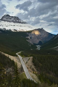 kris taeleman | icefields parkway,on the road from banff to jasper