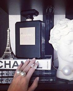 Black + White, Chanel