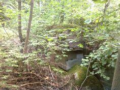 Mniejszy bunkier na górze Pietraszka niedaleko Staświn.