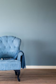 Denim Drift – Colour of the Year 2017 Style At Home, Room Colors, Wall Colors, Denim Drift, Blue Hallway, Living Colors, Color Of The Year 2017, Home Fashion, Interior Design Living Room