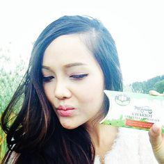 Chariot Greentea  Chocolate #greenteachocolate #nosugaraddedchocolate #thailand #lowcarb #nosugaradded #glutenfree #healthy #gym #diabetes #diabeticchocolate #glutenfree #girls #eat #lowcarb #selfie #thailand #norway #newgen #happy #product by wealthy_diamond_shop