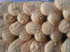 Coconut Biscuits recipe by Naseerah Sayed posted on 21 Jan 2017 . Recipe has a rating of by 1 members and the recipe belongs in the Biscuits & Pastries recipes category Coconut Biscuits, Coconut Cookies, Halal Recipes, Dog Food Recipes, South African Recipes, Italian Cookies, Cake Cookies, Cupcakes, Vanilla Essence