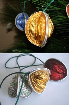 Tree decorations, made with nespresso capsules. Christmas Holidays, Christmas Crafts, Christmas Decorations, Tree Decorations, Xmas, Upcycled Crafts, Diy And Crafts, Deco Table Noel, Coffee Geek