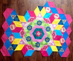 For the love of sewing: Finely got Rosette block two done on the New Hexag...