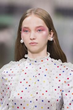 Spring 2018 Makeup Trends - Spring and Summer Beauty Trends 2018