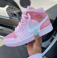 Adidas Shoes Outfit, Dr Shoes, Cute Nike Shoes, Swag Shoes, Cute Sneakers, Shoes Sneakers, Pink Nike Shoes, Shoes Jordans, Cheap Jordans