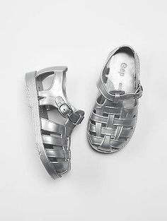 a002474da687 Details about GAP Baby   Toddler Girl NWT Size 6 Silver Rubber Jelly Water  Beach Shoes
