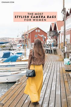 Camera bags for women - GATTA Lola. The most stylish camera bags for women. A guide to the best leather camera bag, crossbody camera bag, camera backpack, mirrorless camera bag, and more. Stylish Camera Backpack, Camera Bag Backpack, Dslr Camera Bag, Camera Tips, Perfect Camera, Best Camera, Dslr Photography Tips, Travel Photography, Fashion Photography