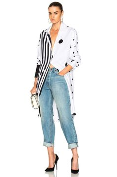 Shop for Monse Asymmetric Print Blouse in Black & White at FWRD. Kimono Outfit, Spring Outfits Women, Summer Fashions, Style Casual, Casual Styles, Tunic Blouse, Printed Blouse, Printed Silk, Mi Long