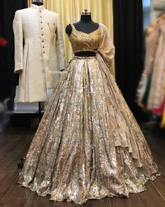 Looking for a budget lehenga store in Delhi? Check out the collection by Ricco India. Lehenga prices start from INR and they even do banarasi lehengas. Indian Wedding Gowns, Desi Wedding Dresses, Indian Bridal Outfits, Indian Gowns Dresses, Indian Bridal Fashion, Bridal Dresses, Lehenga Choli Designs, Wedding Lehenga Designs, Designer Bridal Lehenga