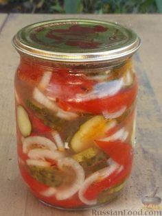 Фото к рецепту: Салат из помидоров и огурцов