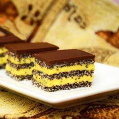Prajitura cu blat de mac si crema de vanilie este un desert savuros ce se prepara foarte usor. Blatul de mac combinat cu crema de vanilie si topping-ul de ciocolata, alcatuiesc o prajitura excelenta. Ingrediente Prajitura cu blat de mac si crema de vanilie: Blat: 9 albusuri 200 grame zahar Pastry Recipes, Baking Recipes, Cookie Recipes, Dessert Recipes, Romanian Desserts, Bite Size Food, Homemade Cookies, Dessert Drinks, Savoury Cake