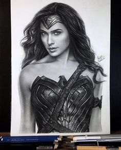 Isn't she a goddess? Wonder Woman Kunst, Wonder Woman Drawing, Wonder Woman Art, Gal Gadot Wonder Woman, Wonder Women, Graphite Drawings, Pencil Drawings, Woman Sketch, White Pen