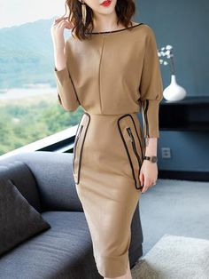 Perfect for a business meeting not too flashy Zipper Boat Neck Long Sleeve Bodycon Dress – DressSure Mode Chic, Casual Dress Outfits, Workwear Fashion, Mode Hijab, Maxi Dress With Sleeves, Classy Dress, Designer Dresses, Creations, Fashion Dresses