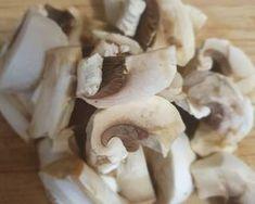 Sertéscsíkok ízes raguban | Babai János receptje - Cookpad receptek Ketchup, Bacon, Stuffed Mushrooms, Vegetables, Food, Stuff Mushrooms, Vegetable Recipes, Eten, Veggie Food