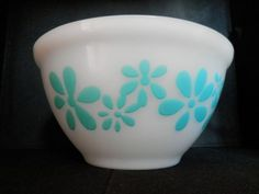 Vintage-Agee-PYREX-Pyrex-Daisy-Flower-Turquoise-Mixing-Bowl