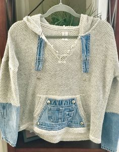 Upcycling alte Jeans als Top - Lilly is Love Sewing Clothes, Diy Clothes, Refashioned Clothes, Denim Crafts, Upcycled Crafts, Mode Statements, Kleidung Design, Mode Hippie, Denim Fashion