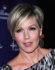 short hairstyle of face faces | Jennie Garth Short Pixie Haircuts | Short Hairstyles