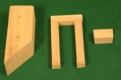 FREE bird house plans to make a LOG-CABIN shaped nesting box. COMPLETE instructions to create a wooden bird box for bluebirds, wrens . Wooden Bird Houses, Bird Houses Painted, Bird Houses Diy, Wooden Boxes, Bird House Plans Free, Bird House Kits, Woodworking Plans, Woodworking Projects, Diy Projects