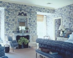 Blue and white bedroom - Markham Roberts