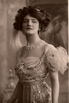 "Lily Elsie in ""The Merry Widow"" Act I. London, 1907"