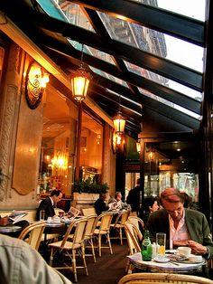 Cafe les Deux Magots Paris