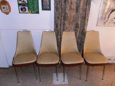 Kijiji: 4 chaises rétro solide - 40$