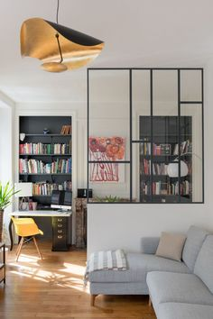 Peeking on Modern and Minimalist Room Partition with Half Glass on It Home Interior Design, Interior Architecture, Room Partition Designs, Minimalist Room, New Home Designs, Apartment Interior, Living Room Decor, New Homes, House Design