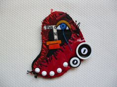 Design by Mükerrem Odabaşı-Felt Brooch (Fabric,button,mixed media)