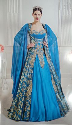 One of the worst costumes ever! Renaissance Costume, Renaissance Fashion, Renaissance Clothing, Medieval Outfits, Medieval Dress, Fantasy Clothes, Fantasy Dress, Royal Dresses, Nice Dresses