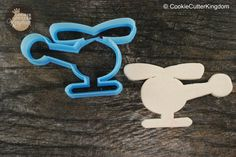 Go on an adventure with our Helicopter Cookie Cutter! Available in mini to large sizes for purchase. We have many more transportation cookie cutters to choose from. Shipping is available worldwide, in