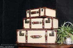 VINTAGE! Koffer Set 3 wunderschöne Oldtimer Koffer / Reisekoffer / Antik Style / in Antiquitäten & Kunst, Mobiliar & Interieur, Kleinmöbel & Raumaccessoires   eBay