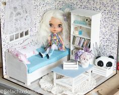 1/6 size miniature roombox / diorama finished kit . BJD Pullip, Blythe, Barbie, Tonner, dollhouse