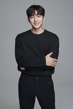 Kdrama Actors, Tv Actors, Actors & Actresses, Dramas, Ji Chang Wook Smile, Ji Chang Wook Photoshoot, Korean Men Hairstyle, Cute Lockscreens, Kim Young