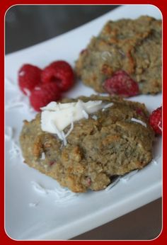 MamaEatsClean: Low Carb Raspberry Scones - Paleo & Candida diet friendly - These are completely grain, dairy and sugar free. A portable snack for those on the Candida diet that want to leave the house once in a while.