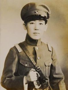 Yoshiko Kawashima was a Manchu princess brought up in Japan, who served as a spy in the service of the Japanese Kwantung Army and Manchukuo during the Second World War. She helps Emperor Puyi establish Manchukuo in Changchun. She becomes a commander of a Manchukuo Army unit and a Japanese spy, seeking revenge on revolutionaries. She was executed as a traitor by the Kuomintang after the Second Sino-Japanese War.
