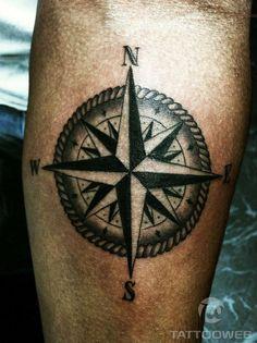A rosa dos ventos é um dos símbolos da navegação, seu desenho tatuado remete a rumo certo e decisão ponderada, representando a melhor escolha, a sorte e os bons ventos. Para os marinheiros, tatuar uma rosa dos ventos era sinônimo de sorte.