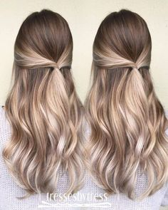 Here's Every Last Bit of Balayage Blonde Hair Color Inspiration You Need. balayage is a freehand painting technique, usually focusing on the top layer of hair, resulting in a more natural and dimensional approach to highlighting. Balayage Hair Caramel, Balayage Blond, Hair Color Balayage, Balayage Hairstyle, Blonde Highlights, Caramel Blonde, Caramel Color, Balyage Long Hair, Beige Blonde Balayage