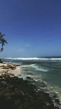 Madhiha beach in srilanka